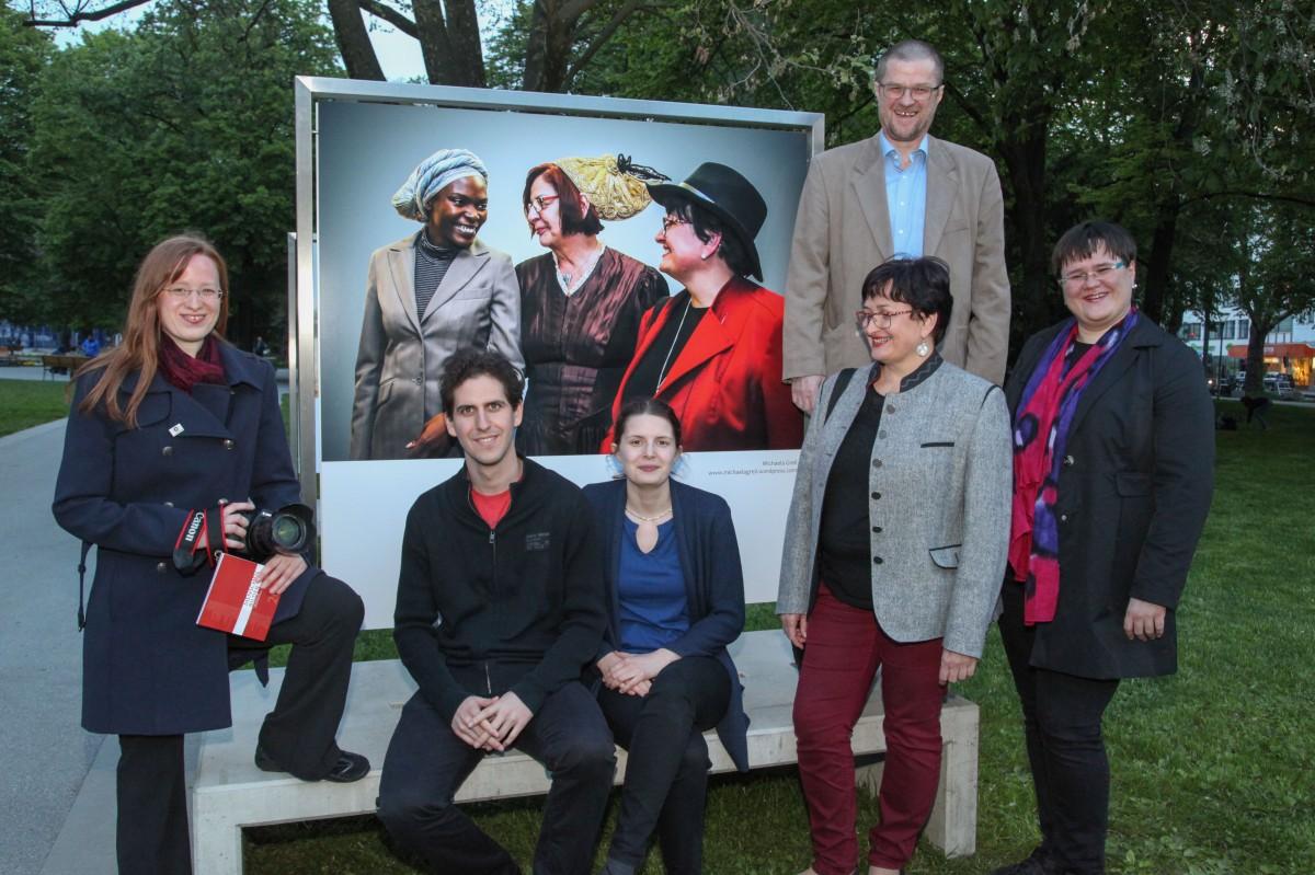 Menschenbilder OÖ 2017: Eindrücke der Ausstellungstour - Linz: Aufbau, Vernissage, Fotos, TV-Bericht (LT1 OÖ) - OÖ BerufsfotografInnen 4.5.-8.8.2017